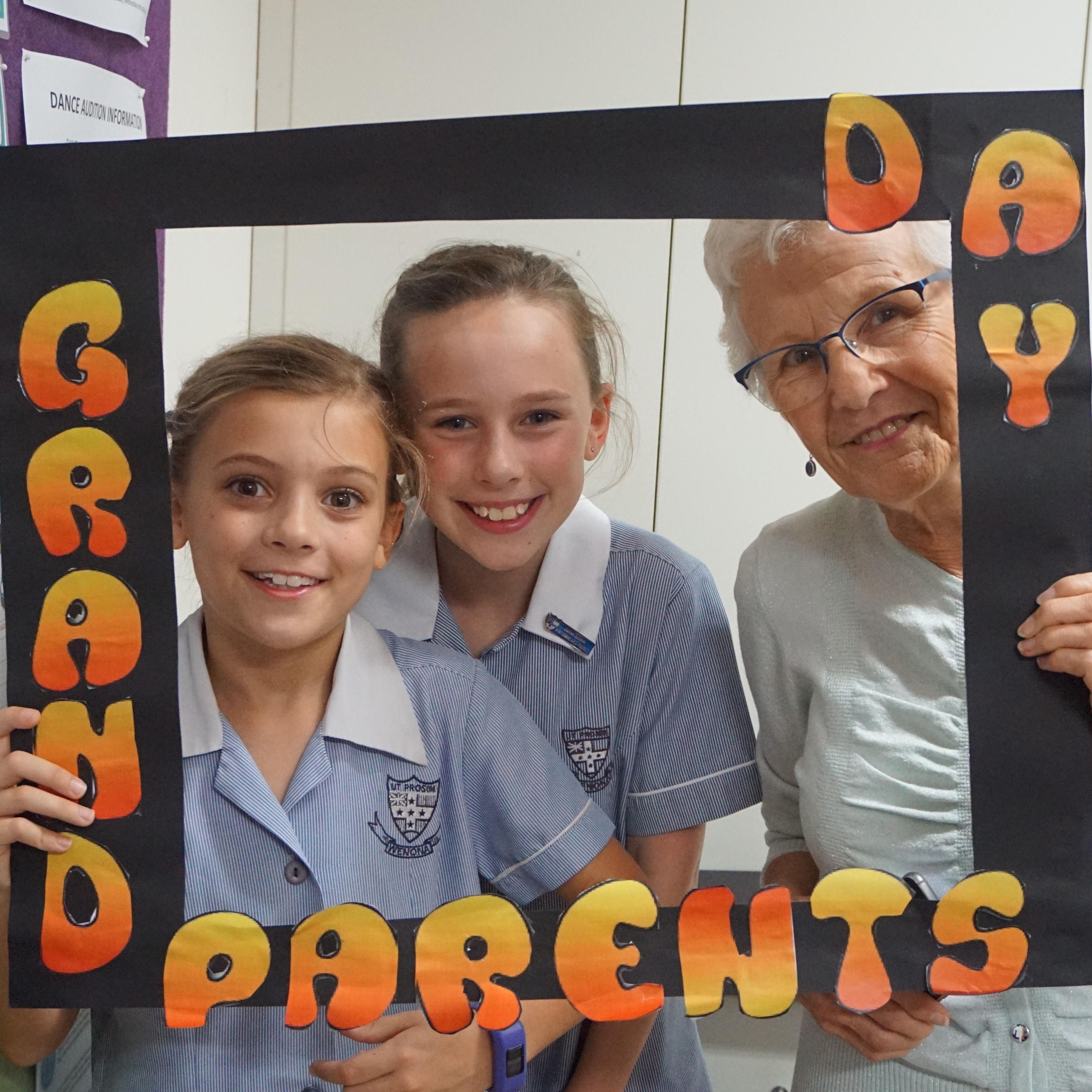 Junior School Grandparents Day 2017 thumb