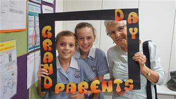 Junior School Grandparents Day 2017 15